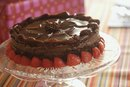 Does Devil's Food Cake Have a Reddish Color Because of Cocoa Powder & Baking Powder?