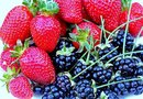 """Health Benefits of Strawberries, Blueberries & Blackberries"""