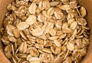 How Much Soluble Fiber Is in Oat Bran?