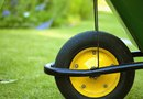 """How to Repair Lawns With a Grass Seed, Sand & Soil Mixture"""