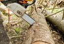 How to Tighten a Stihl Chainsaw