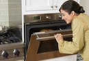 Cleaning an Oven with Ammonia