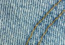 How to Make a Scatter Rug From Recycled Denim