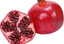 Difference Between a Persimmon and a Pomegranate