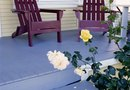 How to Use Latex Paint on a Wood Porch