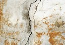 How to Determine if the Cracks in Walls Are Serious