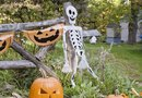 Easy Ways to Decorate for Halloween Outside