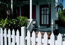 How to Paint a White Picket Fence Headboard on the Wall