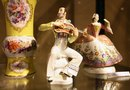 How to Tell Porcelain Figurines From Ceramic