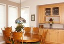 What Color Do You Paint a Dining Room With Oak Cabinets?