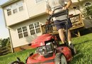 How to Mow the Lawn Efficiently