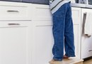 How to Clean White Painted Cabinets That Have Yellowed