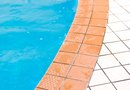 How to Drain the Remainder of a Swimming Pool