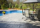 How to Decorate a Pool Deck