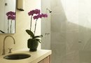 How to Stage a Small Bathroom