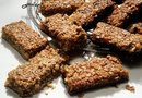 """Homemade Protein Bars With Flax, Oats & Wheat Germ"""