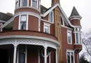 How to Make the Exterior of Your House Look Victorian
