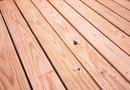 How to Remove Pine Needle Tannin Stain From a Wood Deck