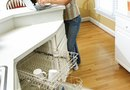 How to Remove the Spray Bar in a Dishwasher