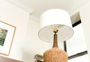 How to Fix a Table Lamp That Flickers