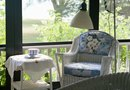 How to Decorate a Sunroom With Curtains