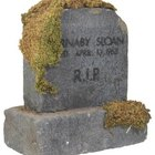 How to Clear Moss Off a Gravestone