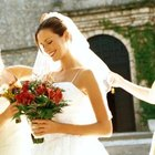 What Gift Does the Maid of Honor Give the Bride?