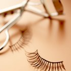 How Can I Remove False Eyelashes Easily?