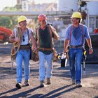 The Job Satisfaction and Work Motivation Factors for Blue-Collar Employees
