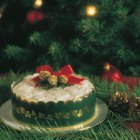 Ideas for How to Decorate a Round Christmas Cake