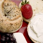 How Long Can a Bagel With Cream Cheese Stay Unrefrigerated?