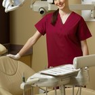 What College Courses Do I Need to Become a Dental Assistant?