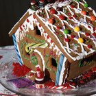 Easy Gingerbread Houses for Kids Made With Graham Crackers