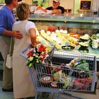What Are the Duties of a Deli Worker?