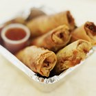 What Is the Difference Between Vegetable Spring Rolls & Egg Rolls?