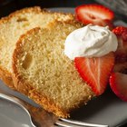 How to Make a Sour Cream Pound Cake