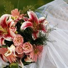 What Type of Bouquet Is Appropriate for the Mother of the Bride?