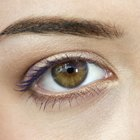 How to Make Your Eyebrows More Feminine