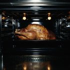 Cooking Poultry With a Convection Vs. Non-Convection Oven