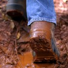 How to Clean Dry Mud From the Soles of Shoes