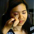 How to Enhance Filipino Eyes With Makeup