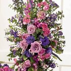 How to Make a Large Floral Arrangement for a Casket