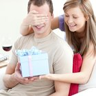 What Is a Good Gift for a New Boyfriend?