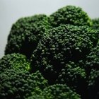 Broccoli contains up to 11 micrograms of chromium.