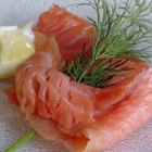 Smoked salmon does not have any fiber and contains a generous dose of heart healthy omega-3 fatty acids.
