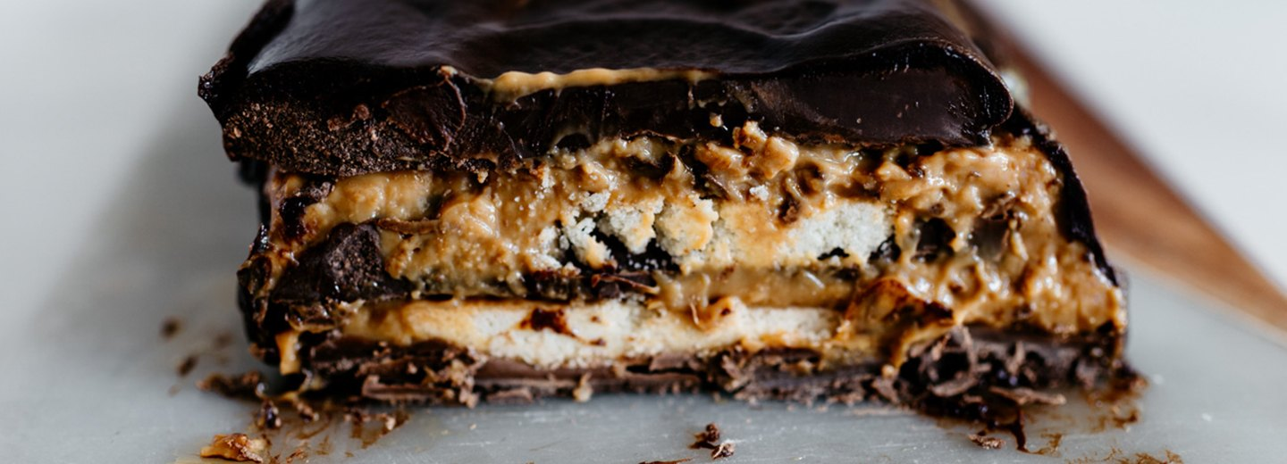 Twix Candy Bar Cake Recipe