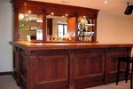 Do it yourself bar plans ehow for Do it yourself home bar designs