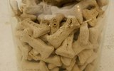 How to Make Dog Biscuits Without Yeast