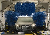 How Does an Automatic Car Wash Work?
