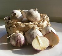 Preserve Garlic in Olive Oil